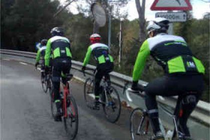 Rent road bikes from Terra BikeTours to enjoy group rides in Barcelona